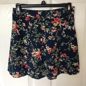 Floral detail mini skirt
